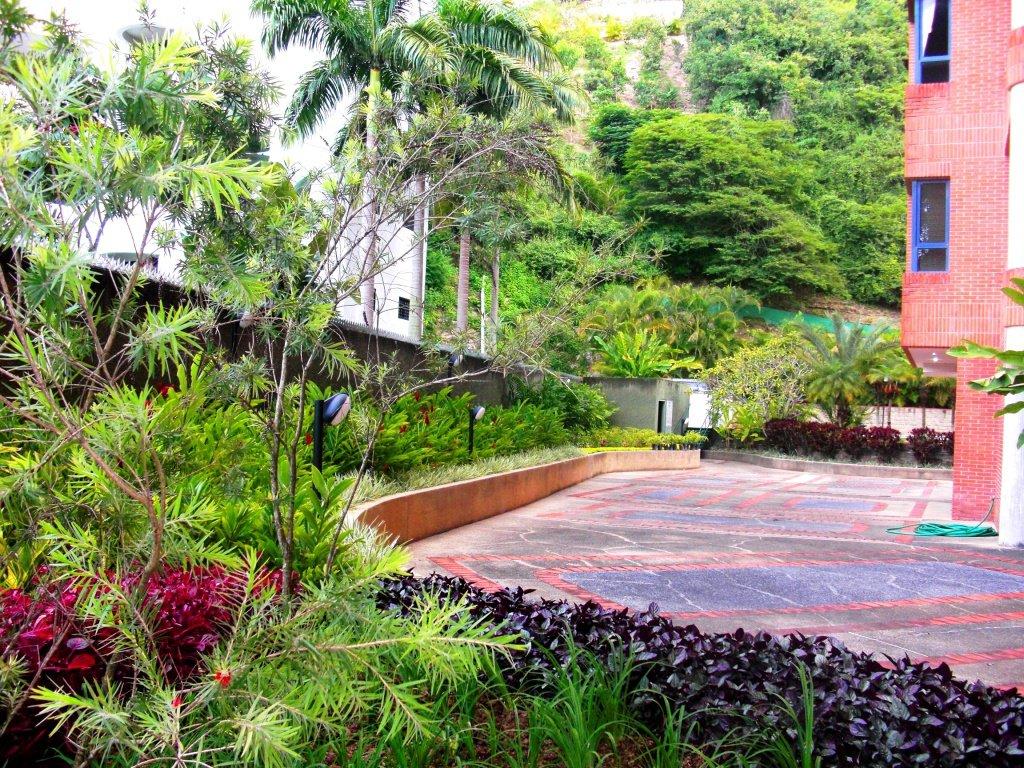 Adriana mirabal paisajismo arquitectura paisajista for Jardines residenciales
