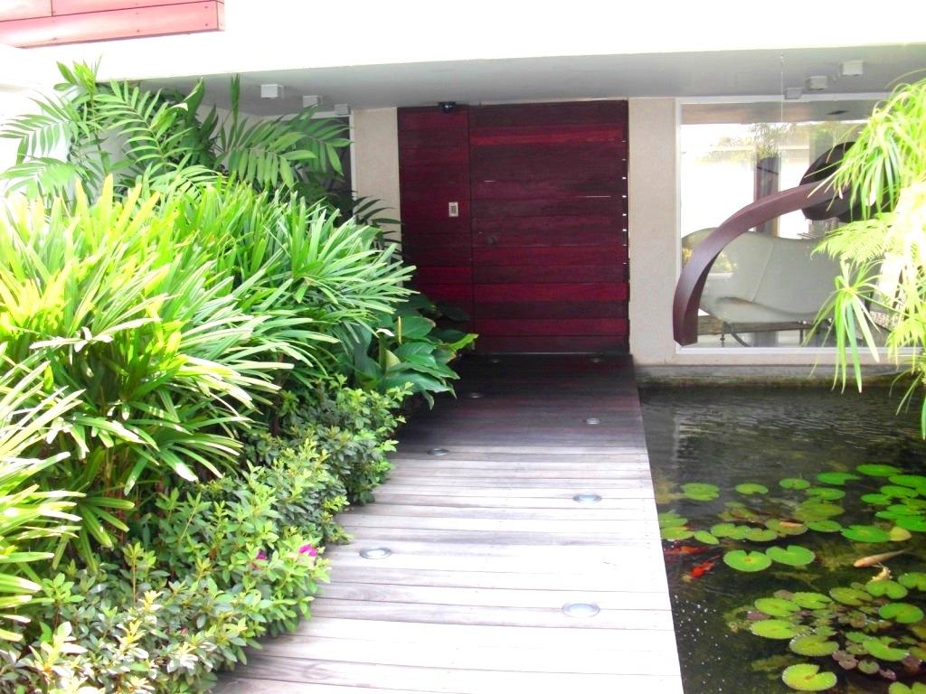 Jard n residencial sobre losa elevada quinta kalapa for Mantenimiento de jardines