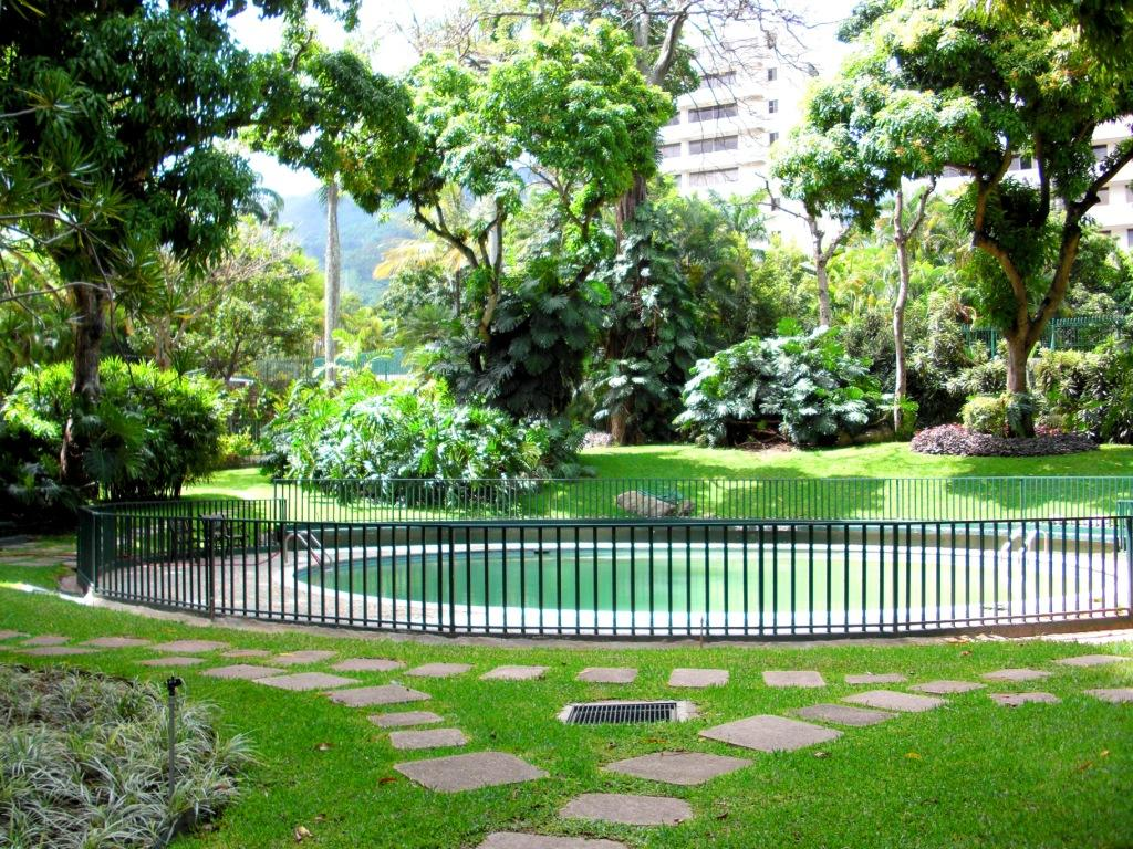 Jard n multirresidencial residencias parque la castellana - Mantenimiento parques y jardines ...